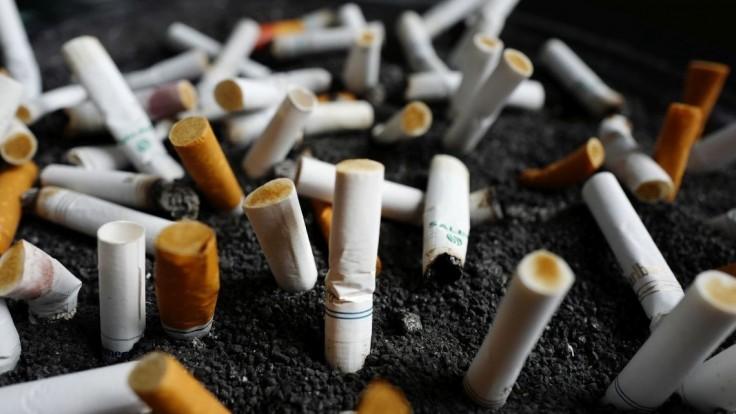 Muži v uliciach mesta rozdávali cigarety, viacero ľudí sa otrávilo