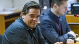 Mafia, či prekrytie škandálu? Politici reagujú na Kočnerove správy