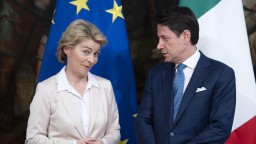 Budúca šéfka EK sľúbila pomoc Taliansku, ide o migráciu