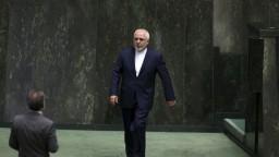 Ostatní dohodu nedodržiavajú, nebudeme ani my. Irán sľubuje tretí krok