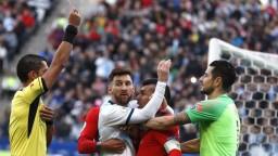 Hviezdny Messi dostal trojmesačný dištanc, pustil sa do rozhodcov