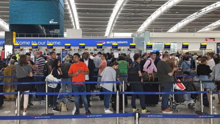 Chystáte sa do Londýna? Letisko Heathrow zruší takmer 200 letov