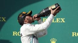 Mercedes triumfoval. Na Veľkej cene Maďarska zvíťazil Hamilton