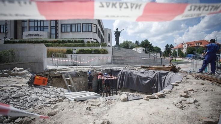 Fico prispel zo svojich peňazí na Dankov projekt veľkého stožiara