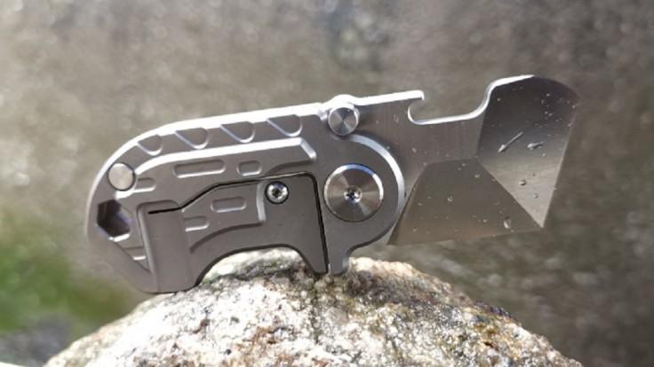 Multifunkčný skladací nožík Rhino reže, otvára, škrabe a skrutkuje