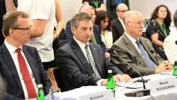 Šéf poľského Sejmu využíval vládne lietadlá na súkromné účely
