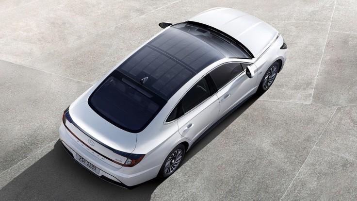 Hyundai Sonata Hybrid dostane na vrch solárnu strechu