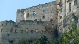 Ruiny Lietavy sú zachránené, na opravy sa minul zlomok peňazí