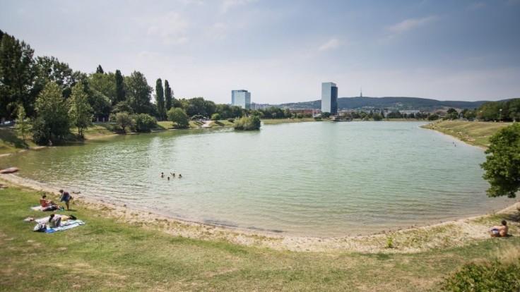 Smrť pri vode. O život prišli ľudia v Bratislave aj pri jazere Uhorná