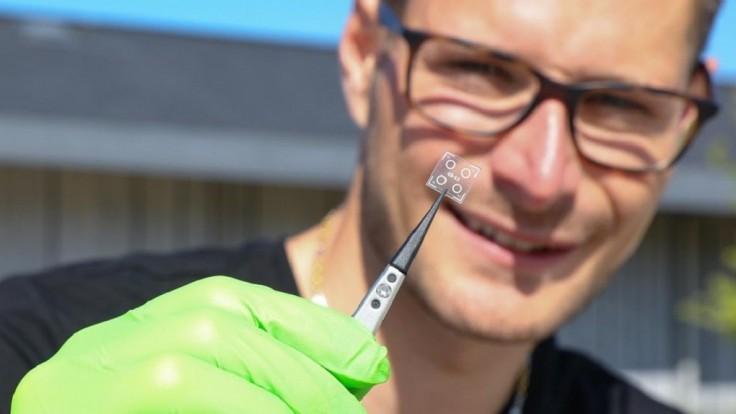 Biodegradovateľný obvod sa po uvoľnení liekov sám rozloží v tele