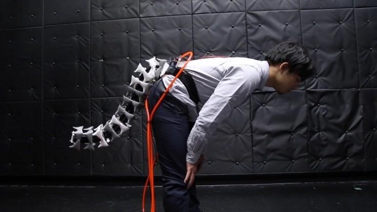 Vedci skúmajú zlepšenie rovnováhy s robotickým chvostom