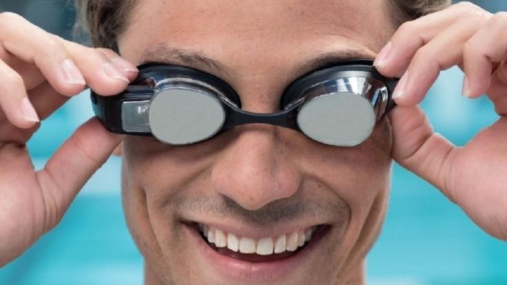 Plavecké okuliare, ktoré zobrazia údaje o výkone priamo pred oči