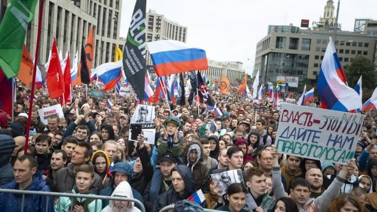 Súd v Moskve nariadil zaregistrovanie opozičného kandidáta do volieb