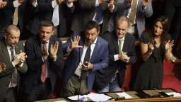 Taliansko odložilo hlasovanie o vyslovení nedôvery vláde o pár dní