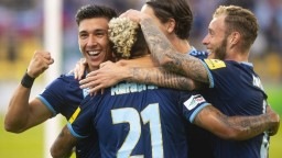Slovan prešiel cez Dundalk a vybojoval postup, uštedril mu tri góly