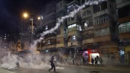 Napätá situácia v Hongkongu pretrváva, reagovala Čína aj USA