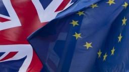 Cudzinci chcú rovnaké práva, žiadajú o pobyt v Británii po brexite