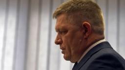 O osude SR nemôžu rozhodovať neoverené SMS chvastúňa, tvrdí Fico