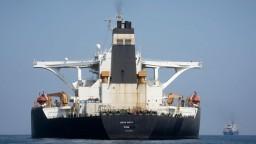 Iránsky tanker bol voľný iba deň. USA vydali príkaz na zadržanie