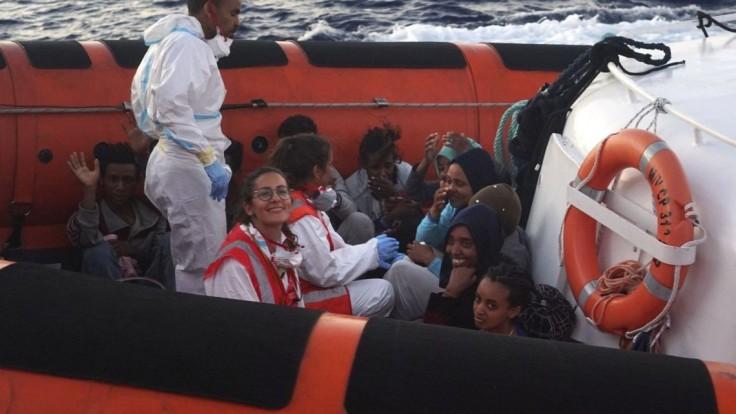 V Stredozemnom mori zachránili 57 migrantov vrátane tehotnej ženy