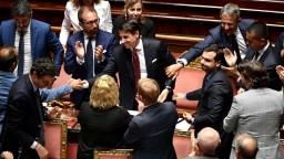 Taliansky premiér predložil svoju demisiu, v krajine padla vláda