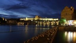 Večerný pochod Prahou pripomenie minulosť a poukáže na súčasnosť