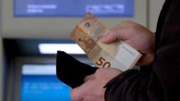 Minimálne dôchodky chce SNS naviazať na priemernú mzdu