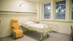 Reforma nemocníc na vláde neprešla, Kalavská však dostala čas