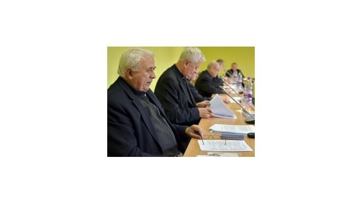 Biskupi sa zídu na mimoriadnom rokovaní, dôvodom je situácia v cirkvi