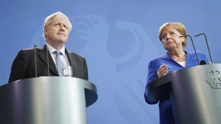 Na návrat Ruska do G7 nie je vhodný čas, myslia si Johnson a Merkelová