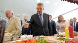 Stúpa záujem o lokálne potraviny, poukázal premiér a ochutnal ich