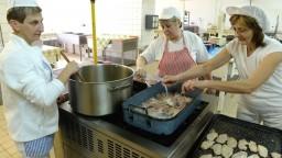 Koľko budú stáť obedy zadarmo? Fico vyčíslil náklady