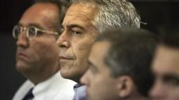 Francúzi začali vyšetrovať sexuálne zločiny, súvisia s Epsteinom