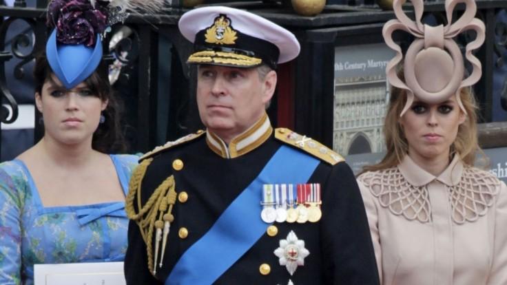 Kráľovnej syn objasnil priateľstvo s pedofilným finančníkom