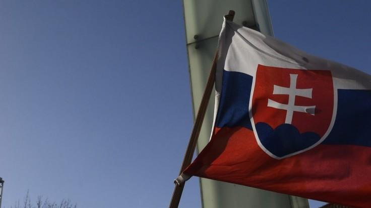 V Rige slávnostne vztýčili slovenskú vlajku, sme členmi centra NATO