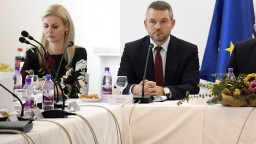 Premiér sa vyjadril k Jankovskej, žiada nové pravidlá odvolávania