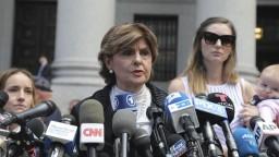 Pred súd sa postavili ženy, ktoré mal zneužiť finančník Epstein