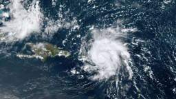Dorian opustil Karibik. Hurikán môže zosilnieť, varujú úrady
