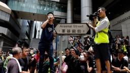 Zadržaných aktivistov prepustili na kauciu, čelia obvineniam