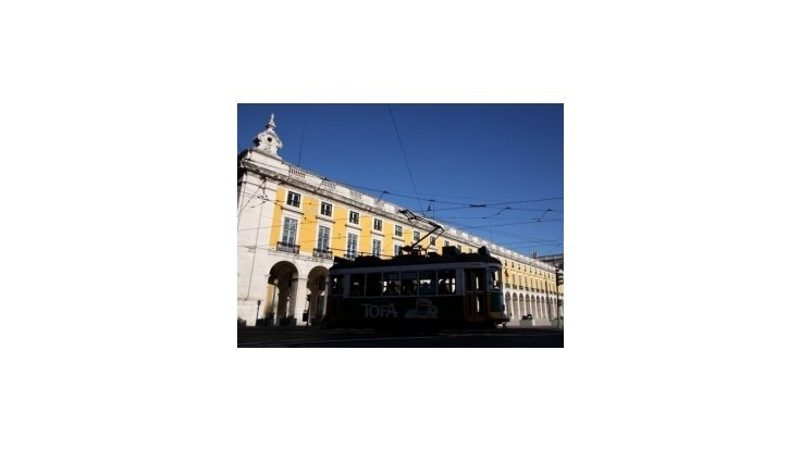 MMF schválil vyplatenie miliardovej pomoci pre Portugalsko