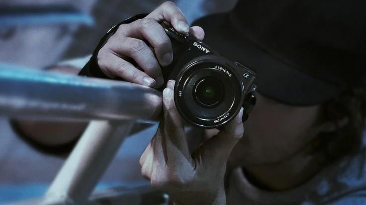 Sony pridáva do série Alpha dva nové APS-C fotoaparáty