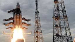 Z indickej lode sa oddelil modul, pokúsi sa pristáť na Mesiaci