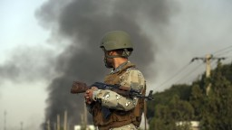 Talibovia zaútočili na komplex so stovkami cudzincov, hlásia mŕtvych