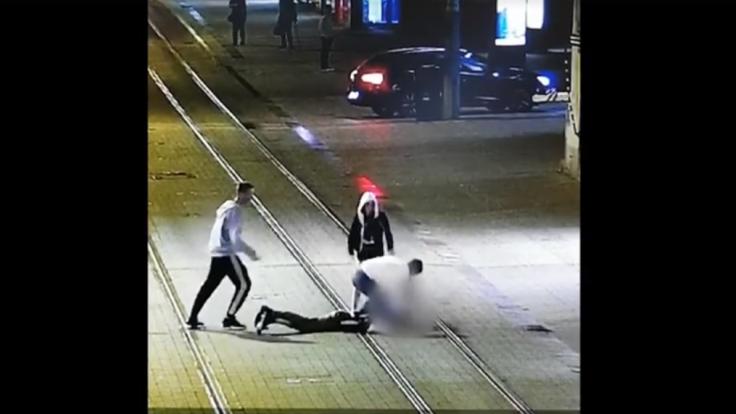Pri novej policajnej stanici na Obchodnej ulici útočil tínedžer