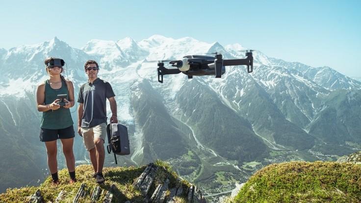 S dronom Parrot Anafi FPV si vychutnáte pohľad z prvej osoby