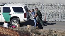 Na veľký Trumpov múr na hraniciach uvoľnili miliardy dolárov