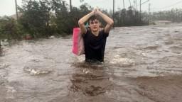 Dorian priniesol záplavy aj tornáda. Kam smeruje tentokrát?