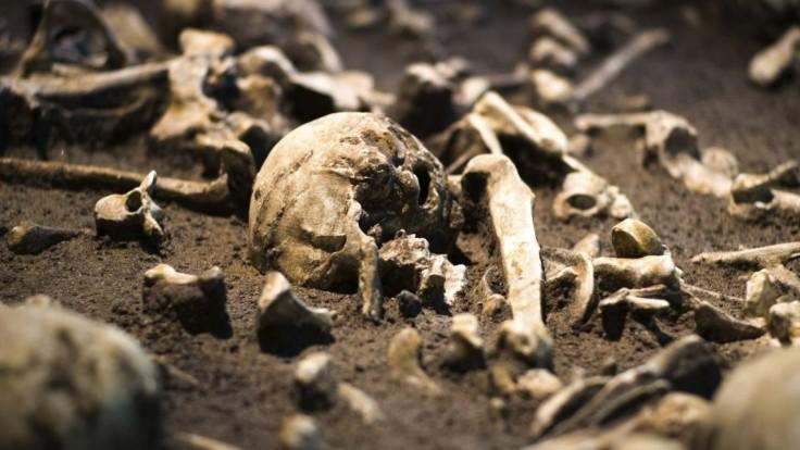 V dome diktátora našli kosti, počas jeho režimu zmizli stovky ľudí