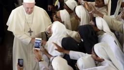 Pápež počas návštevy Madagaskaru upozornil na odlesňovanie