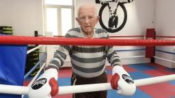 Na turnaj amatérskych boxerov dohliadal aj legendárny Zachara